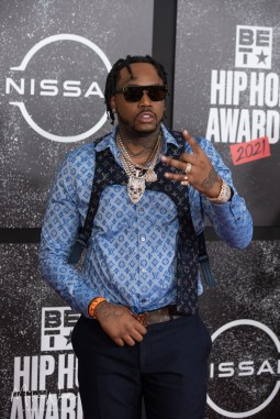Fivio Foreign - Cypher on the Red Carpet, 2021 BET Hip Hop Awards Atlanta, Ga. 10-1-21 (Photo By: Mike Ware/SIPA USA)