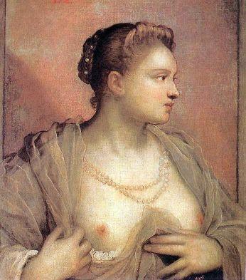 Donna che scopre il seno