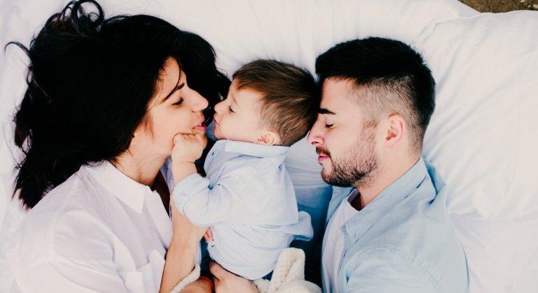 colecho-durmiendo-juntos-padres-e-hijos