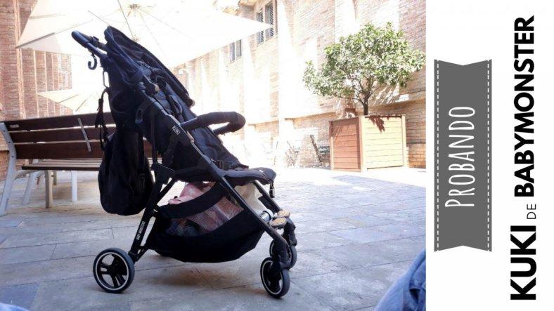 Foto lateral de la silla ligera compacta Kuki de Baby Monsters