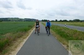 Thomas und Uli - Thomas mal wieder im passenden Outfit für deutsches Sommerwetter