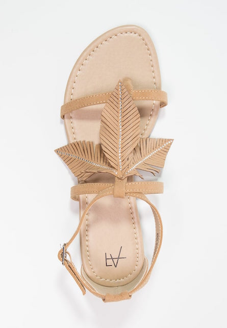 sandali cuoio1.jpg