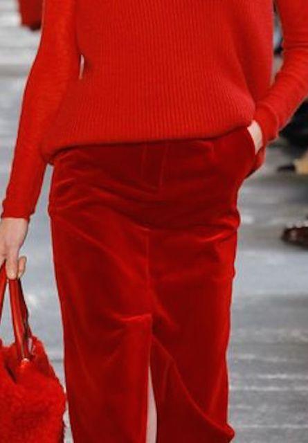 Rosso Natale: aggiungiamo questo colore al nostro look... non solo per le feste!
