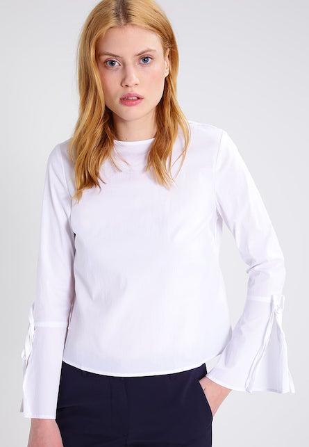 La camicia bianca: 10 consigli di shopping per voi3