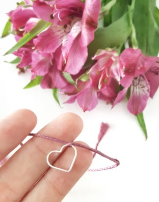 Eo il mio braccialetto con il cordino rosa!