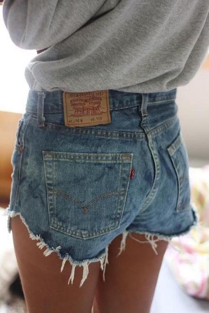 Estate in città: 5 cose da NON indossare - shorts troppo corti