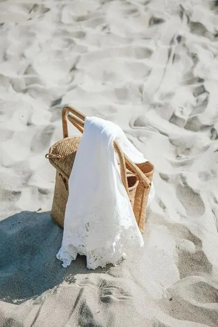 5 cose da mettere in una borsa da spiaggia sostenibile