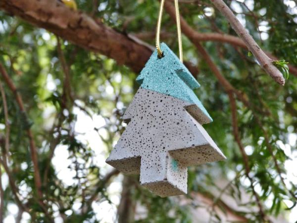 Hanging concrete tree decoration photo 2