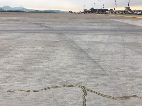 Concrete-mender-airport-MXP-crack-repair4
