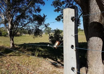 How to use electrical & hot wire with concrete fence posts