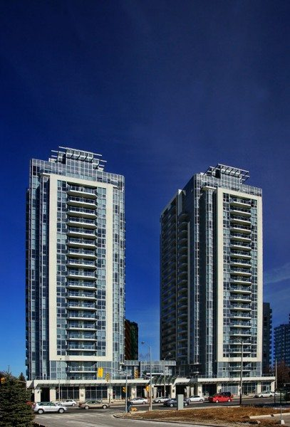 Luxe Condos Building View Toronto, Canada