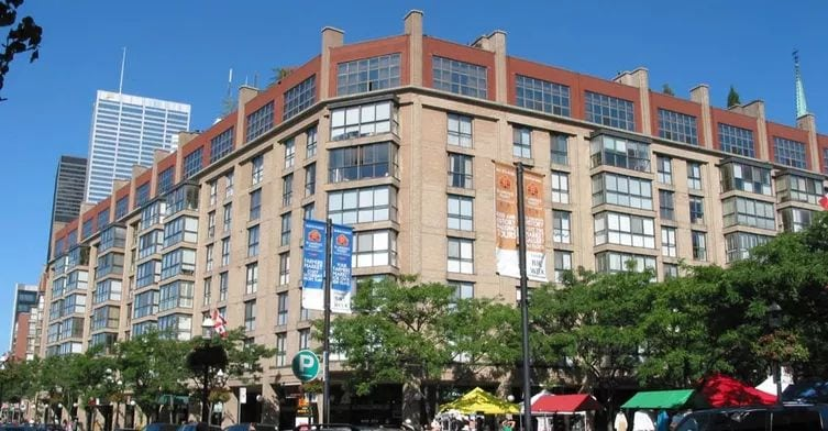 Exterior image of the Market Square West in Toronto
