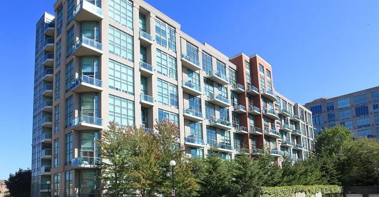 Exterior image of the Skylofts 2 in Toronto