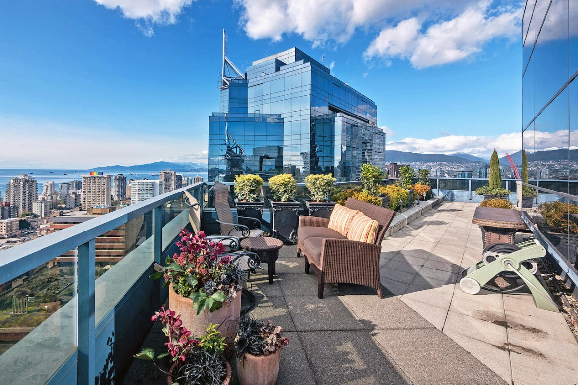 Condo patio at 3000 1050 Burrard Street, Vancouver West, BC