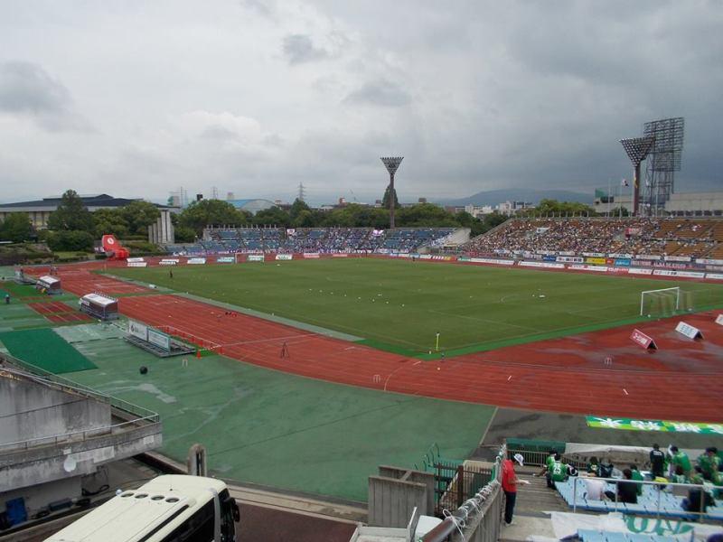 京都市西京極総合運動公園陸上競技場兼球技場~なんでこんなにボロいのよ~