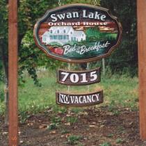 swan-lake-bed-n-breakfast