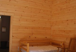 Lincoln commercial log cabin kit sleeping space