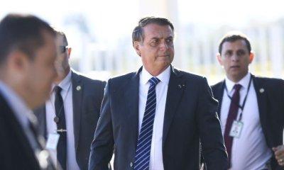 Bolsonaro vai a hospital para visitar policial que sofreu acidente durante escolta 24