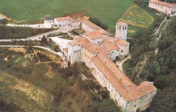 Vista aérea do mosteiro de Fonte Avellana.