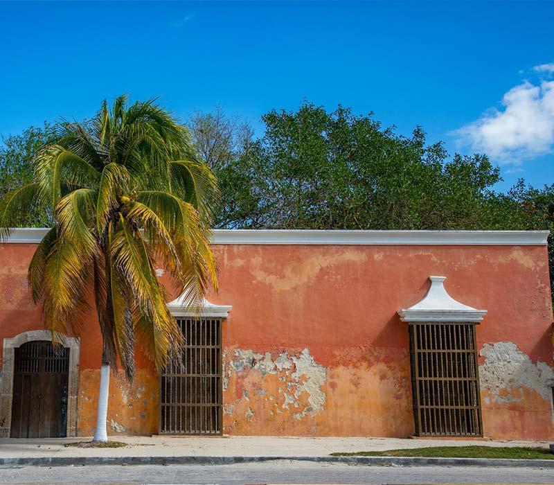 Conexstur-tour-operator-mexico-yucatan-destination-sisal-streets