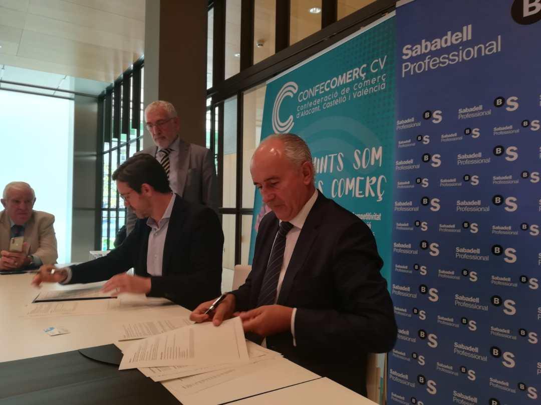 CONFECOMERc CV firma un convenio de colaboración con Banc Sabadell (6)