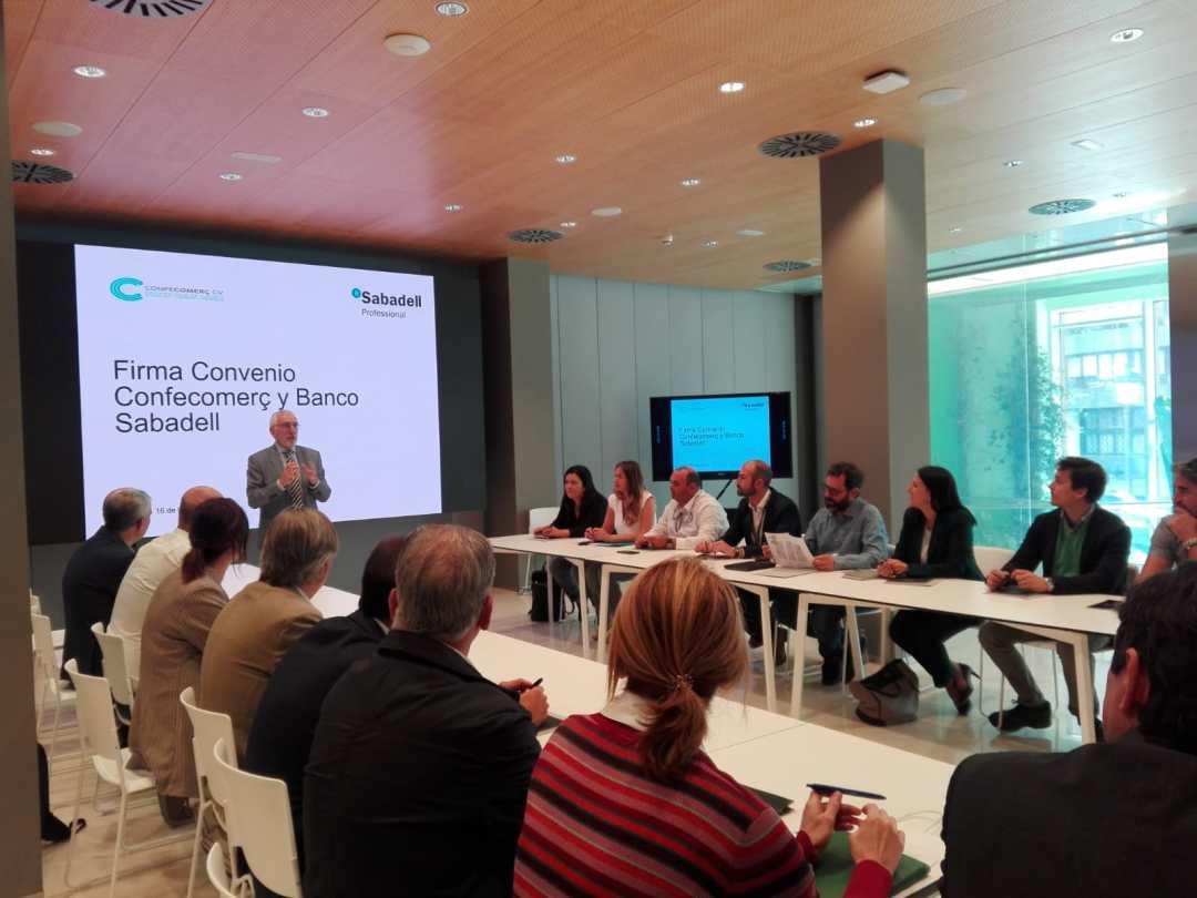 CONFECOMERc CV firma un convenio de colaboración con Banc Sabadell (9)