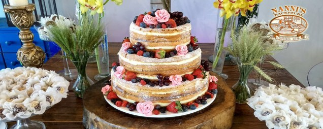 TORTA NAKED CAKE PARA CASAMENTO