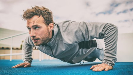Man doing pushups in the cold weather feature image