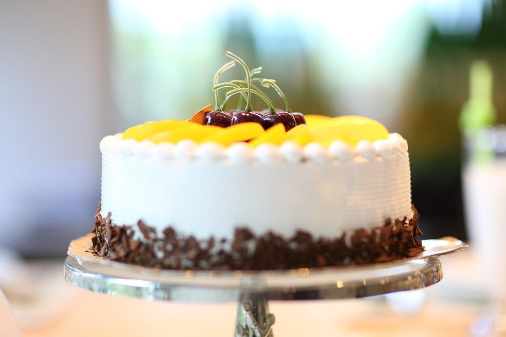 Cake on a cake tray