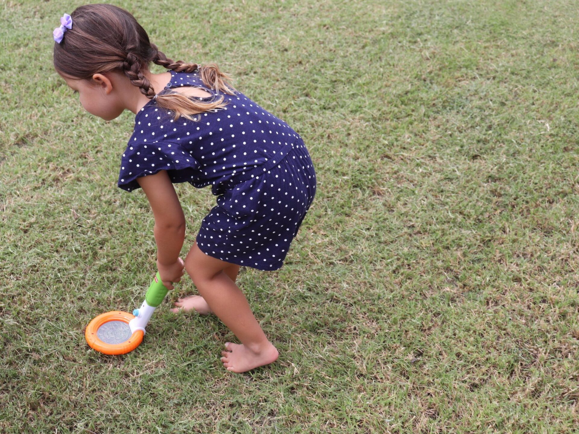 Teaching kids problem-solving skills doesn't have to be hard! Here are 10 problem-solving activities that are perfect for preschoolers to learn problem-solving!