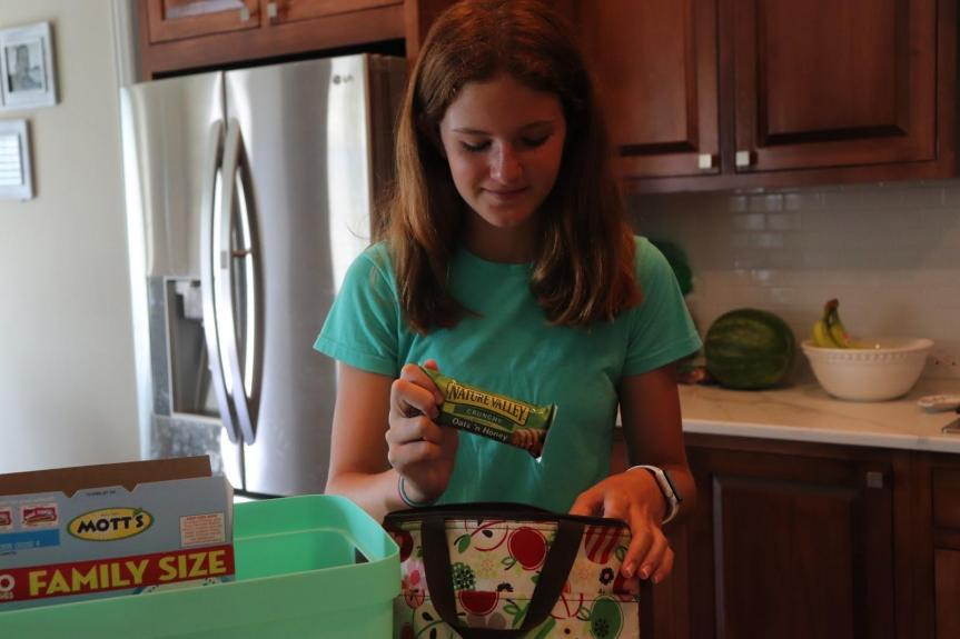 Involving kids in packing school lunches used to be a daunting task, but with these 5 easy steps, your kids will be helping pack lunches in no time!