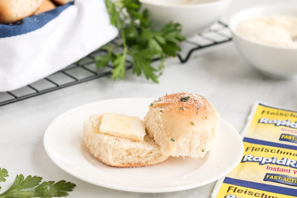 If you are looking for easy garlic Parmesan rolls then look no further because these easy dinner rolls are the easiest rolls to make even for beginner bakers!