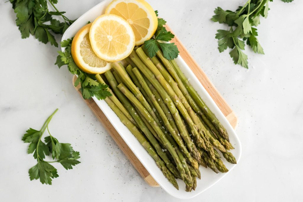 Instant pot asparagus with lemon pieces