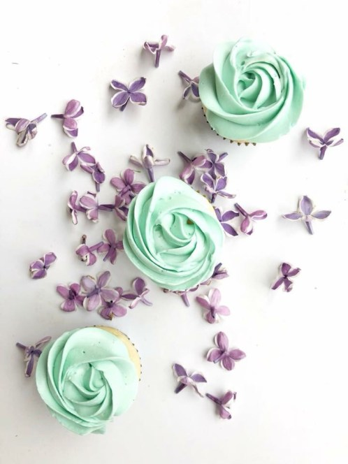 Cupcakes by lilsweets