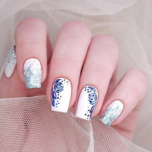 Fashionable manicure with sparkles and glitter: photos, the best ideas 23