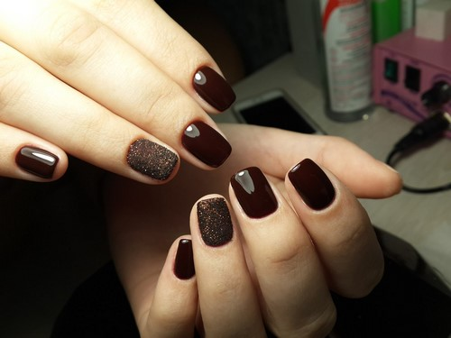 Fashionable manicure with sparkles and glitter: photos, the best ideas 28