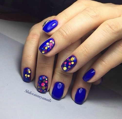 Fashionable manicure with sparkles and glitter: photos, the best ideas 33