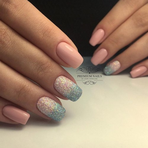 Fashionable manicure with sparkles and glitter: photos, the best ideas 37
