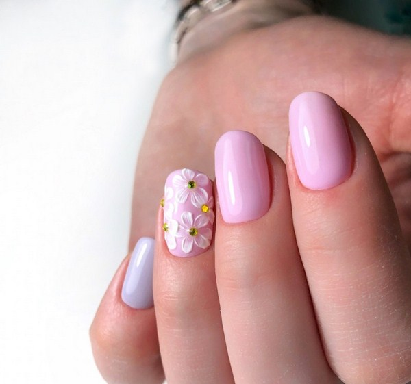 2018-2019 Bride's Wedding Manicure: Luxurious Nail Designs 31