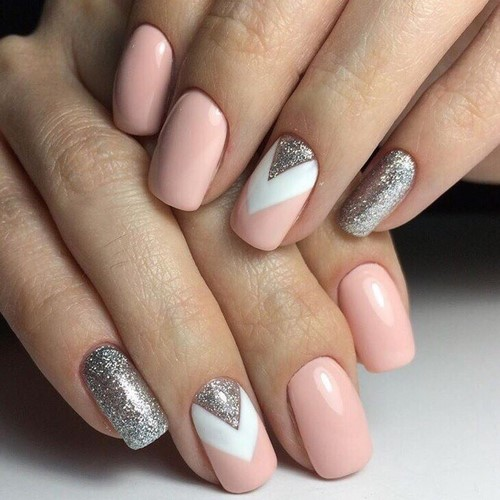 Fashionable manicure with sparkles and glitter: photos, the best ideas 39