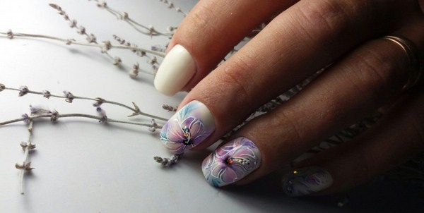 2018-2019 Bride's Wedding Manicure: Luxurious Nail Designs 15