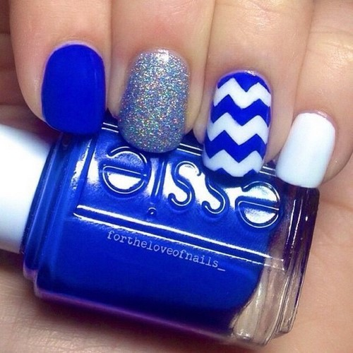 Fashionable manicure with sparkles and glitter: photos, the best ideas 25