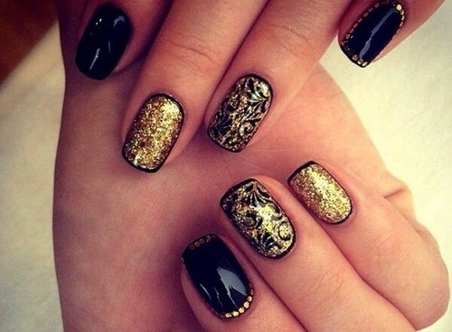 Fashionable manicure with sparkles and glitter: photos, the best ideas 12