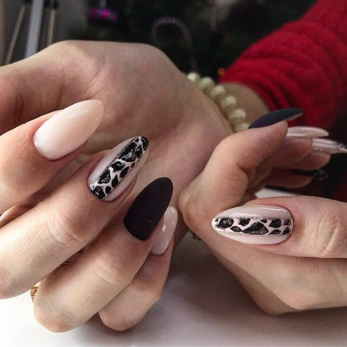 Manicure with a print: options for design 5
