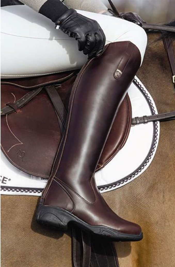 Fashionable warm and stylish winter shoes 2020 and 58 photos 12
