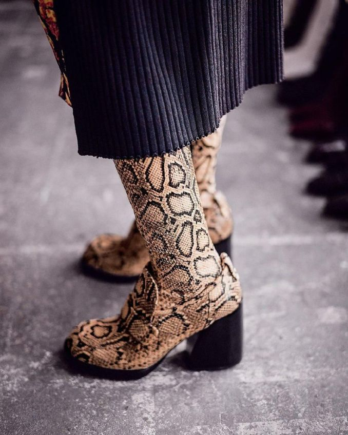 Fashionable warm and stylish winter shoes 2020 and 58 photos 18