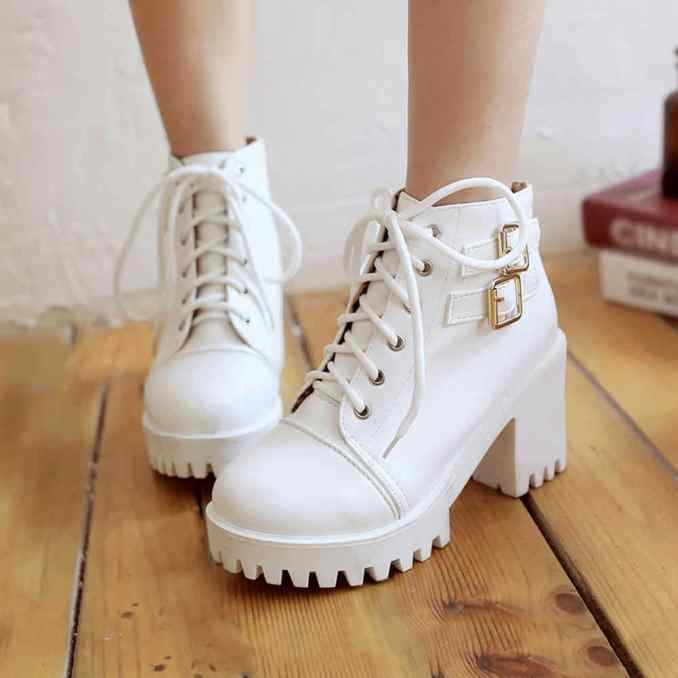 Fashionable warm and stylish winter shoes 2020 and 58 photos 42