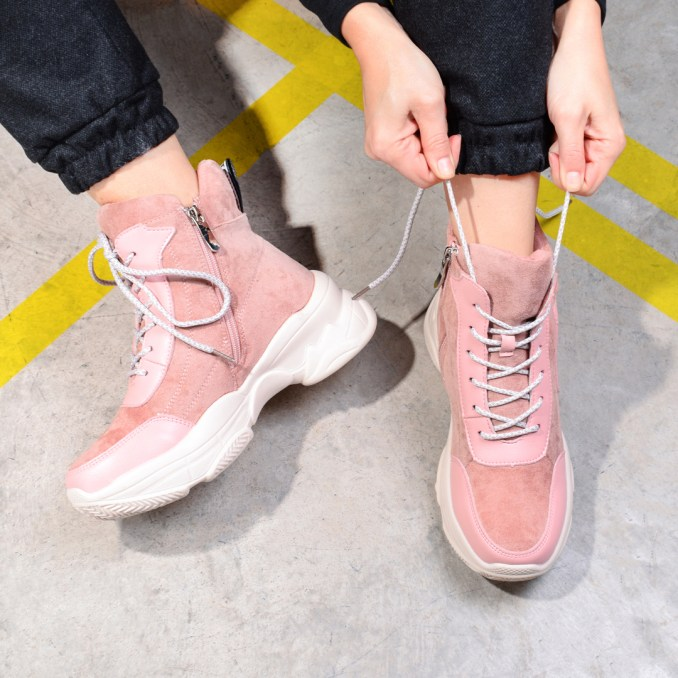Fashionable warm and stylish winter shoes 2020 and 58 photos 51