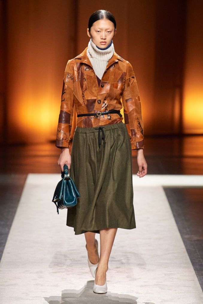 Fashionable skirt with a drawstring fall-winter 2020-2021 from the Tod's collection