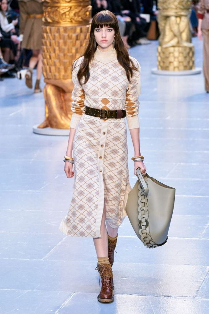 Fashionable skirt with buttons fall-winter 2020-2021 from the Chloé collection